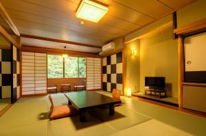 湯河原温泉旅館客室