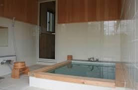 山中湖ペンション浴室